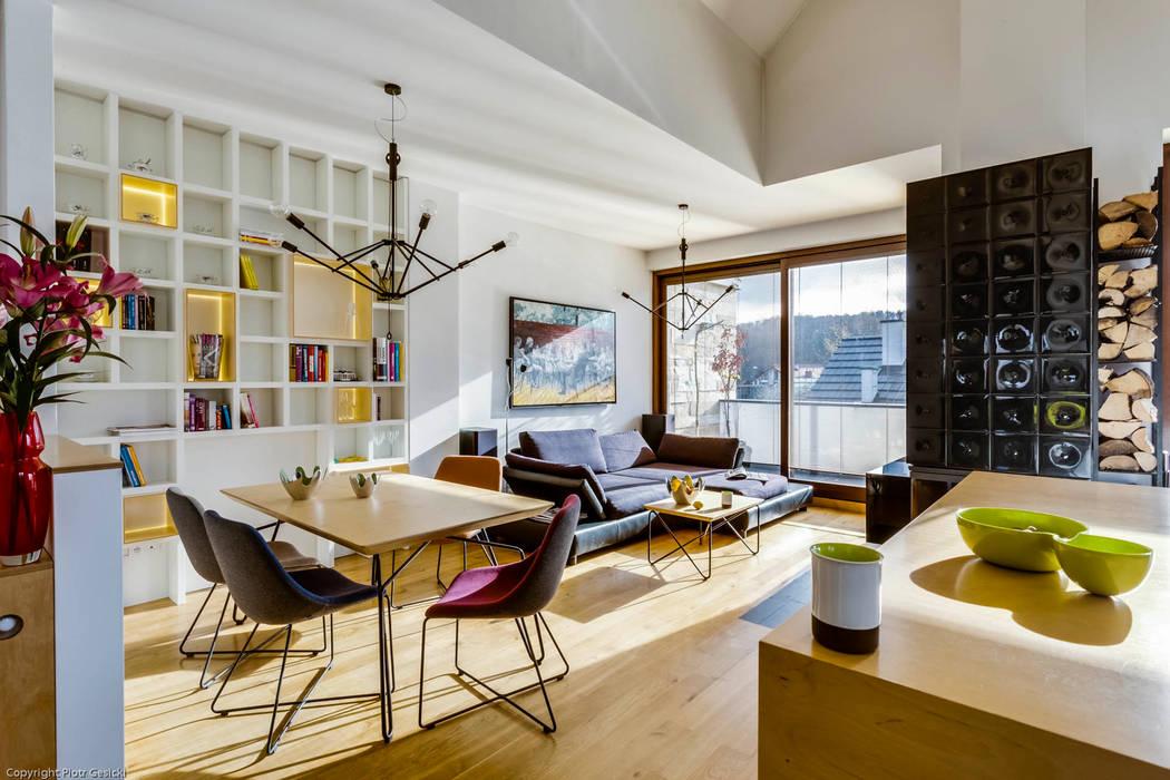 Living room by Biuro Projektowe Pióro