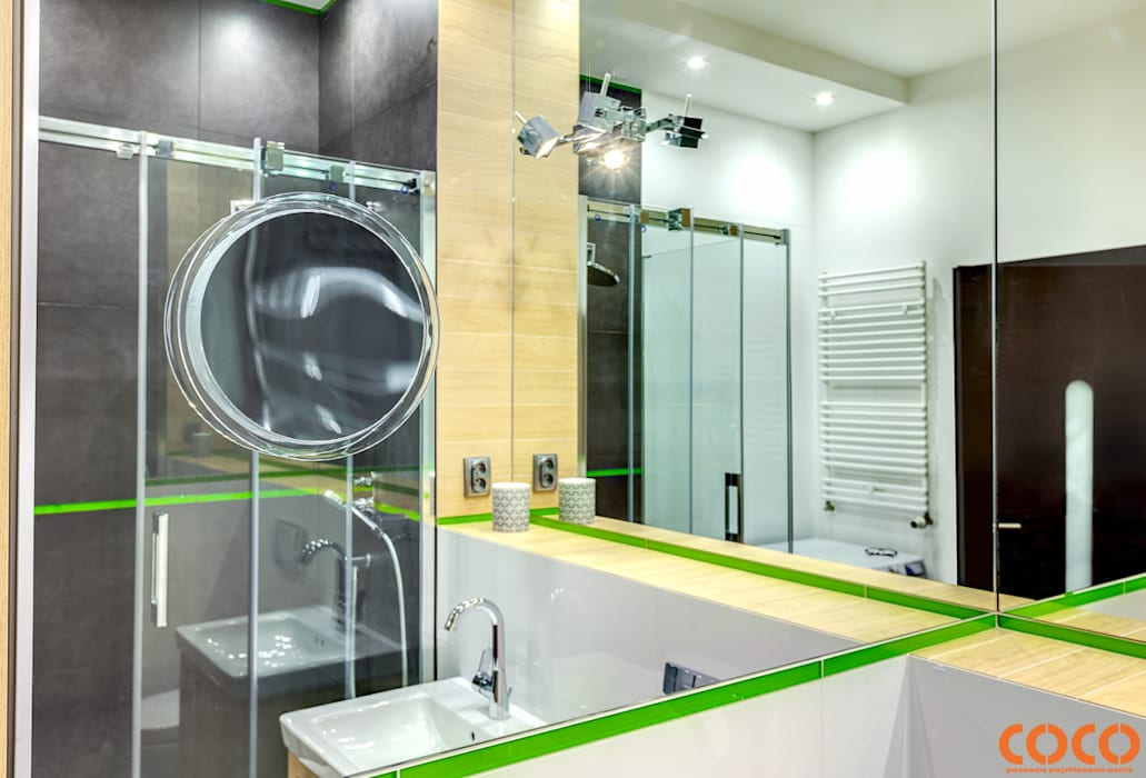 Bliźniacze lustrzane łazienki: styl , w kategorii Łazienka zaprojektowany przez COCO Pracownia projektowania wnętrz,