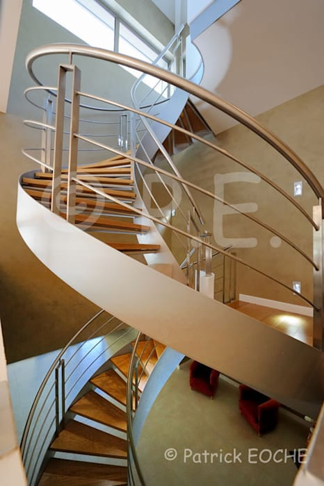 patrick eoche Photographie d'architecture Modern Corridor, Hallway and Staircase