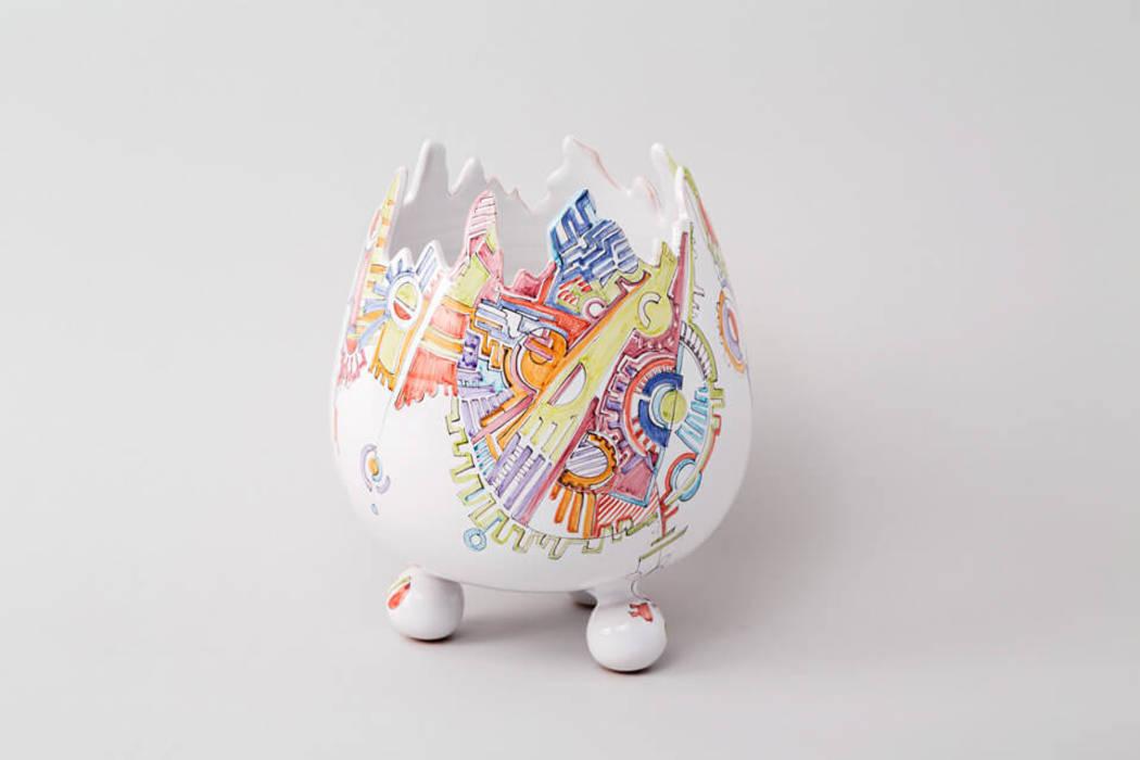 Atelier Soleil - Vase  « œuf » au décor Meccano: Salle à manger de style de style eclectique par Atelier Soleil