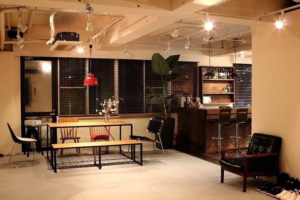 Bureau original par Yunhee Choe Éclectique Bois Effet bois