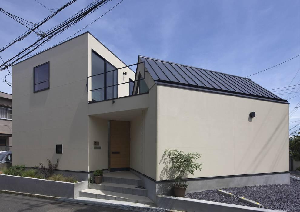 寝屋川の家 Huse of Neyagawa モダンな 家 の 林泰介建築研究所 モダン