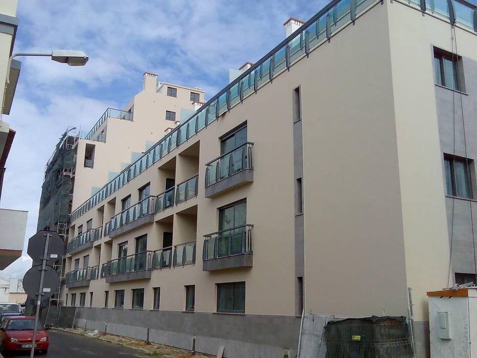 Prédio Habitacional: Casas  por Autovidreira