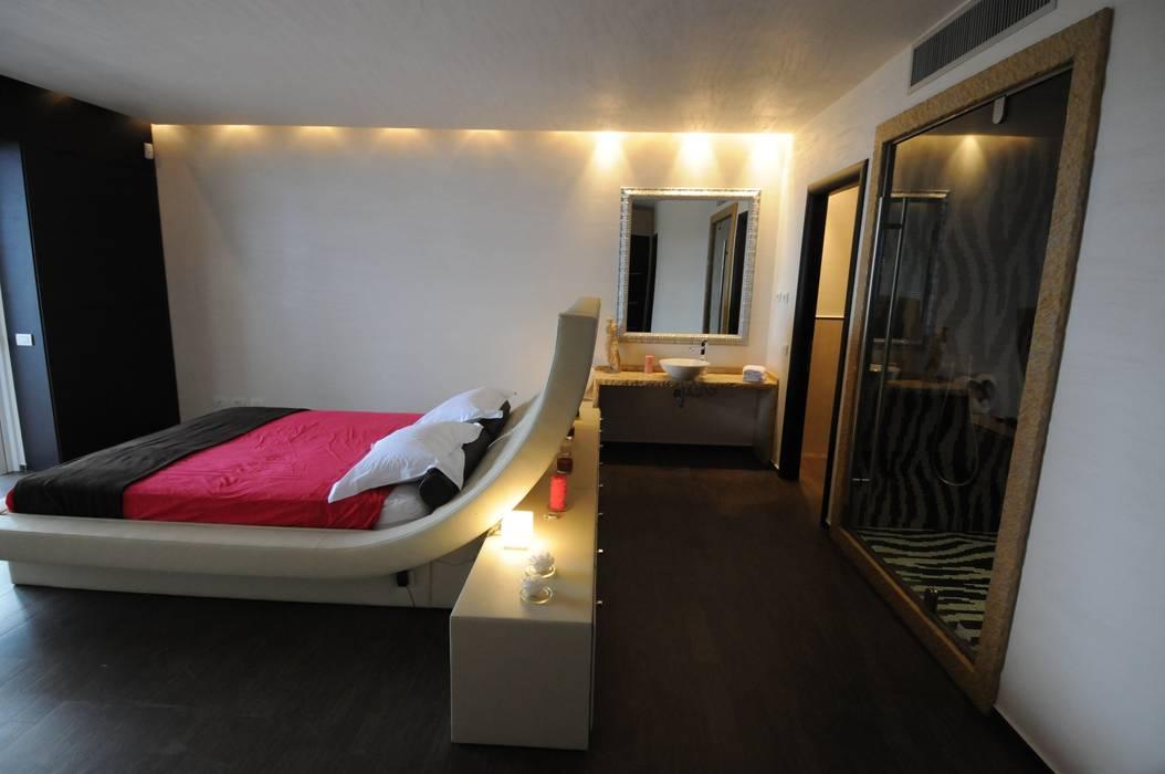 Habitaciones de estilo mediterráneo de CARLO CHIAPPANI interior designer Mediterráneo