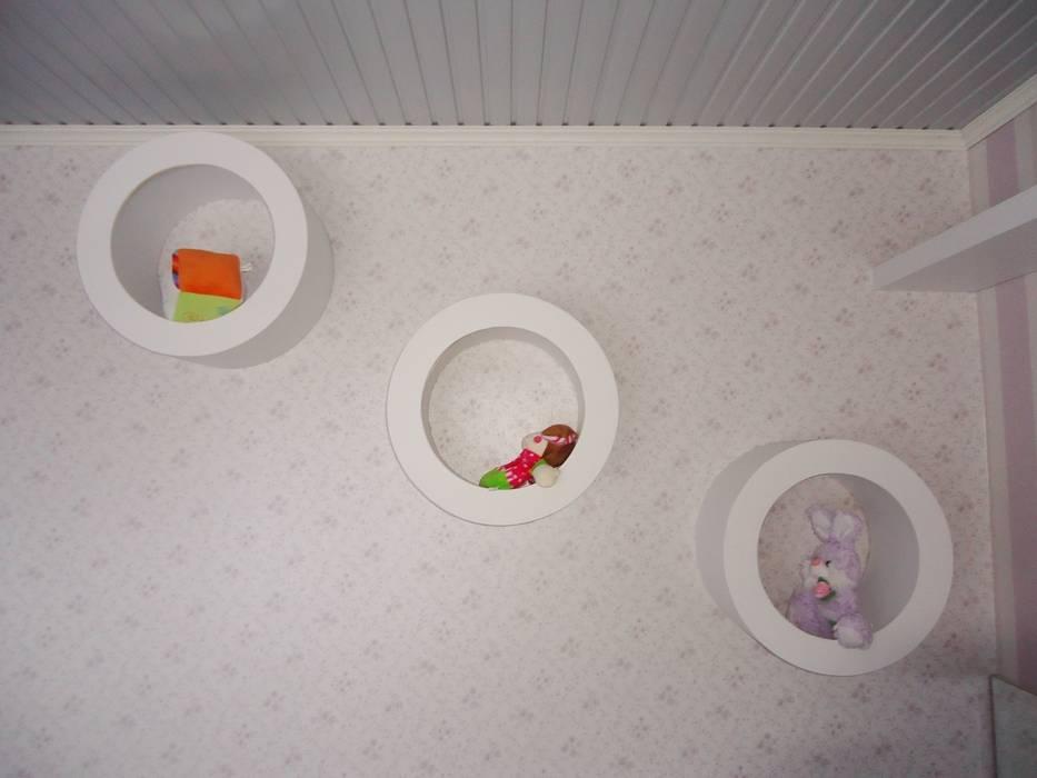 Ésse arquitetura e Interiores - Dormitório de bebê menina Quarto infantil clássico por Ésse Arquitetura e Interiores Clássico
