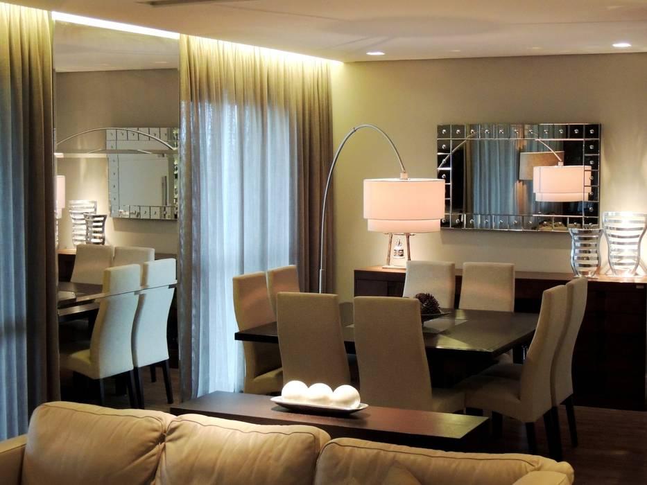 Ruang Makan Modern Oleh Roesler e Kredens Arquitetura Modern