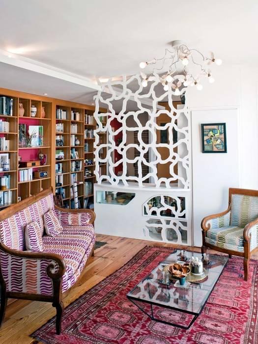 """aménagement d'intérieur """"EVA"""": Salon de style de style eclectique par Motif-Design"""