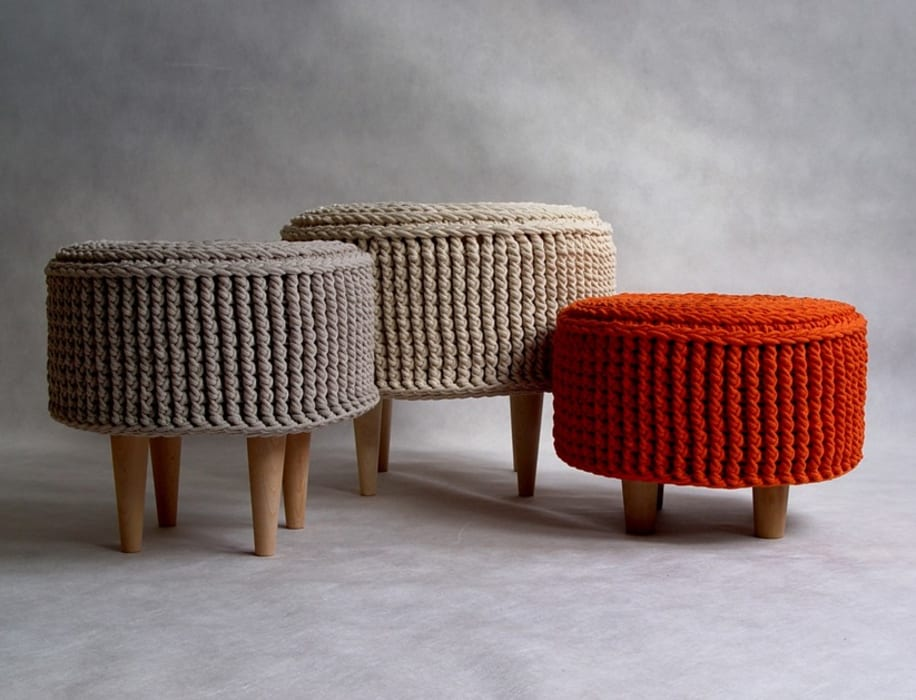 Crochet pouf, knitted ottoman, model PARIS de RENATA NEKRASZ art & design Escandinavo