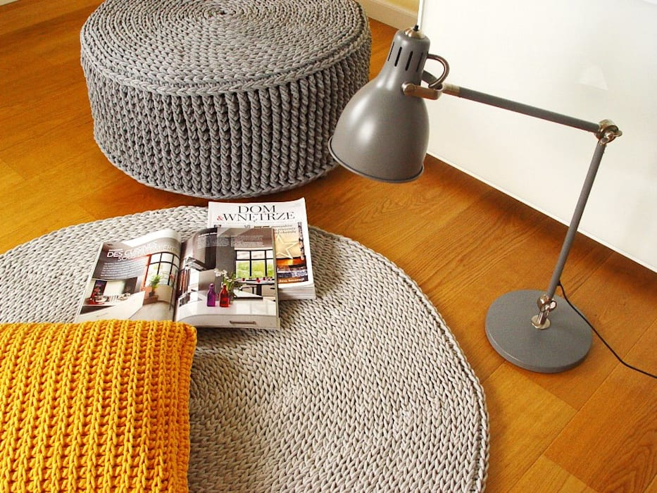 Handmade crochet rug, crochet carpet, round rug, knitted carpet, knitted rug, model COPENHAGEN. material cotton, color 12 de RENATA NEKRASZ art & design Escandinavo