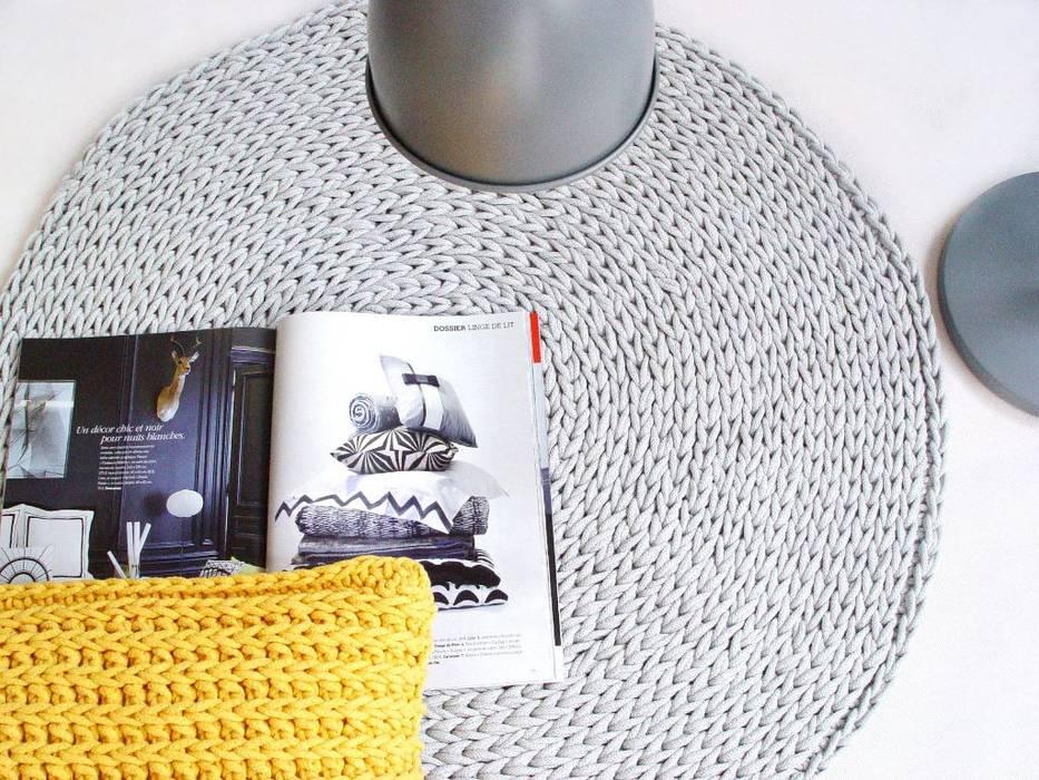 Handmade crochet rug, crochet carpet, round rug, knitted carpet, knitted rug, model COPENHAGEN. material cotton, color 12 van RENATA NEKRASZ art & design Scandinavisch