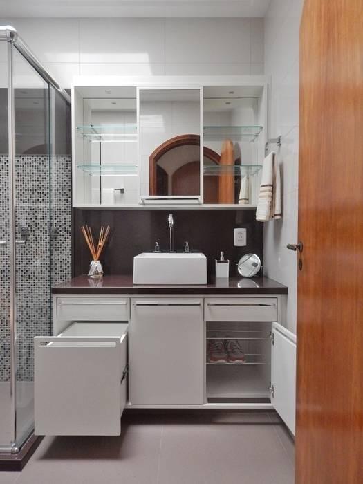 BANHO AB – Higienópolis / Porto Alegre: Banheiros  por Ambientta Arquitetura,Eclético