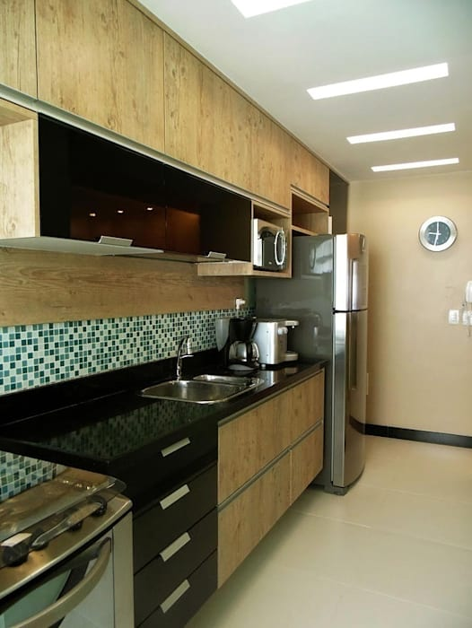 Cozinha: Cozinhas clássicas por Paula Werneck Arquitetura