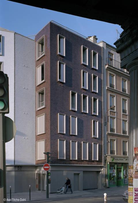 Bicolore: Maisons de style  par fresh architectures