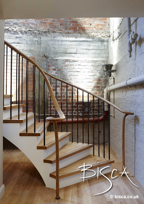 Piccadilly Lofts Common Areas Basement Level Staircase Pang-industriya na corridors estilo, Pasilyo & Hagdan by Bisca Staircases Industrial