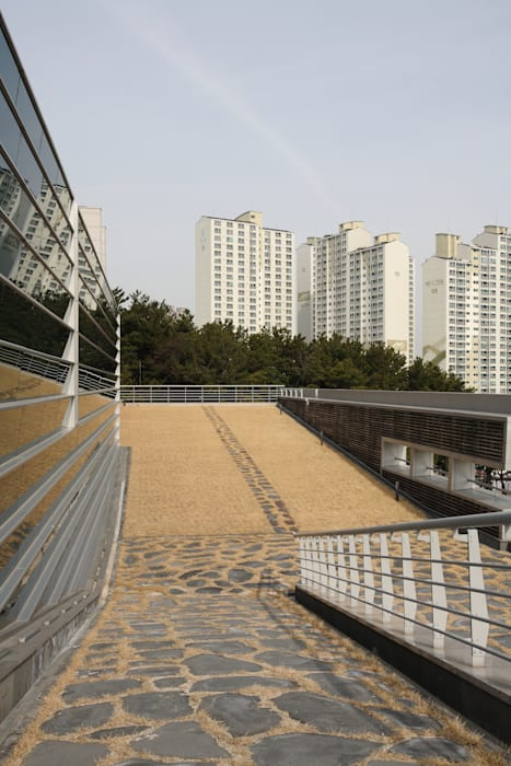 Ingresso, Corridoio & Scale in stile moderno di ADF Architects Moderno