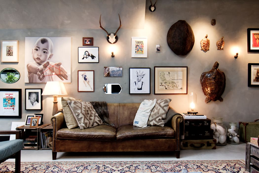 Eclectic style living room by BRICKS Studio Eclectic