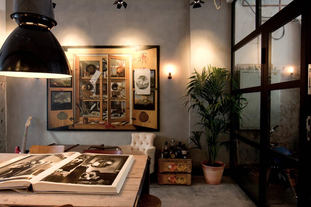 Garage Loft:  Eetkamer door BRICKS Studio, Eclectisch