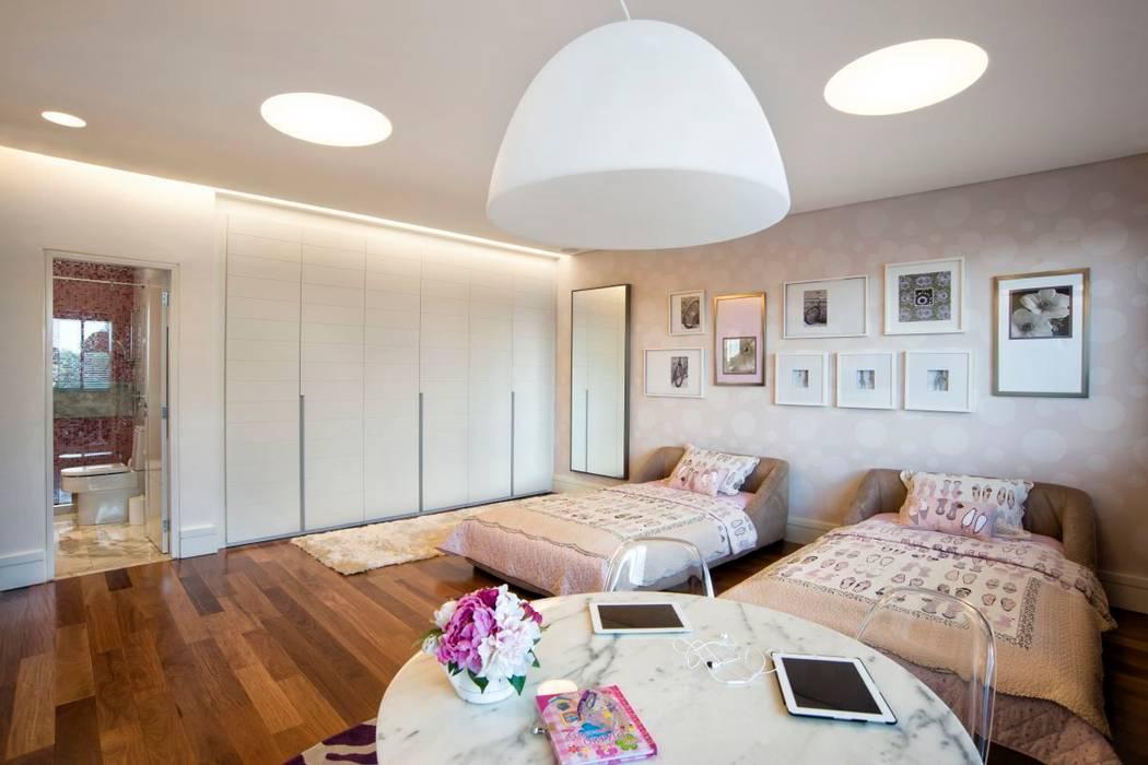 Projeto Casa Moderna - Jorge Elmor: Quarto infantil  por Elmor Arquitetura,