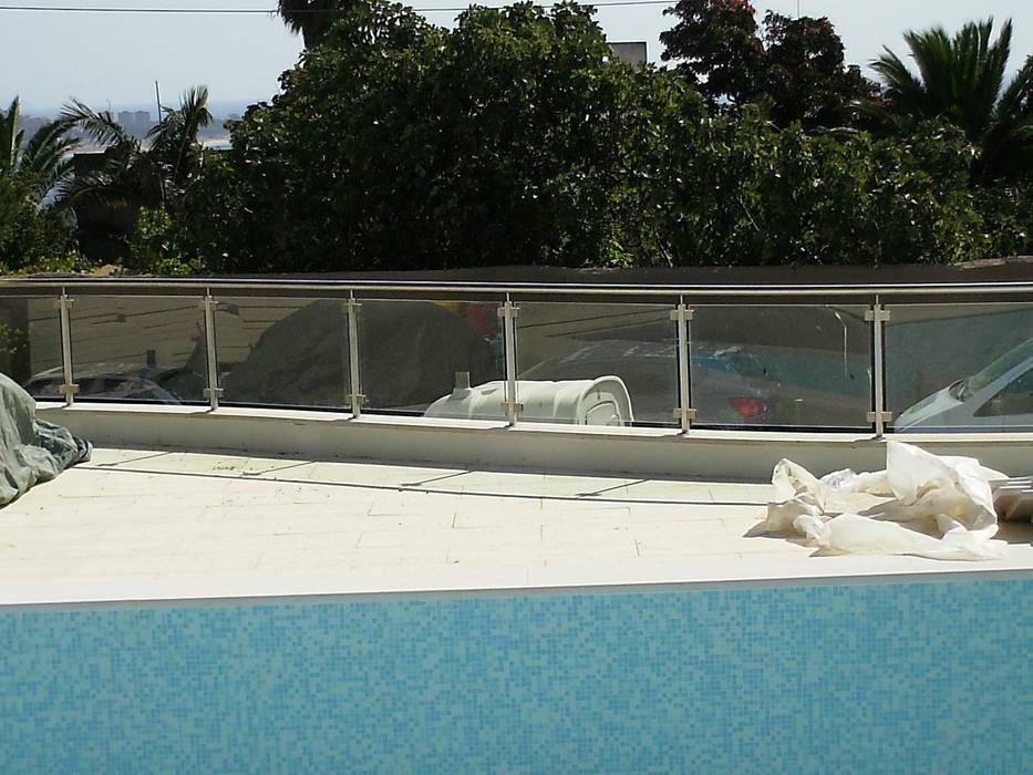Guarda para piscinas Piscinas modernas por Autovidreira Moderno