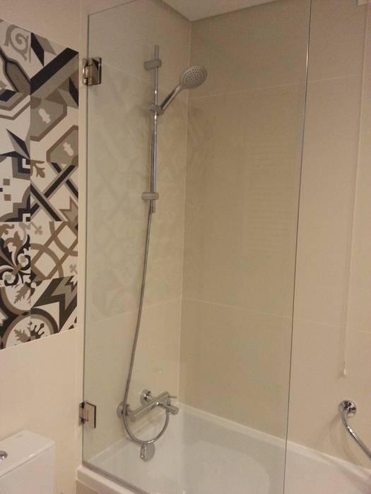 Instalações sanitárias: Hotéis  por Autovidreira,