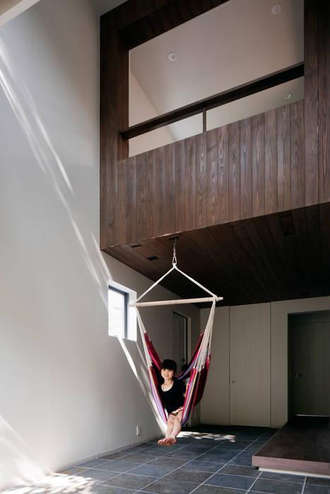 Media room by 松岡淳建築設計事務所, Modern
