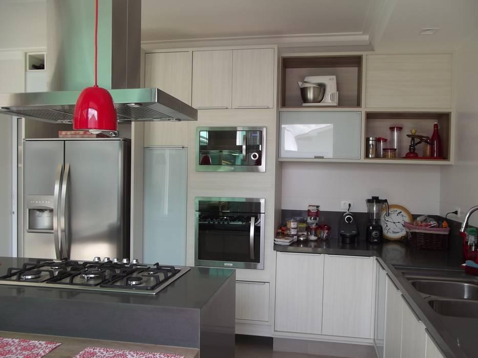 Küche von Raquel Pelosi Arquitetura e Design Visual