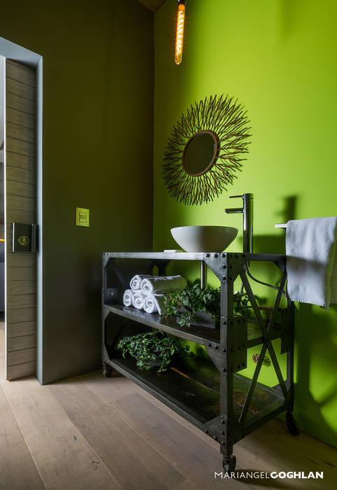 MARIANGEL COGHLAN Industrial style bathroom