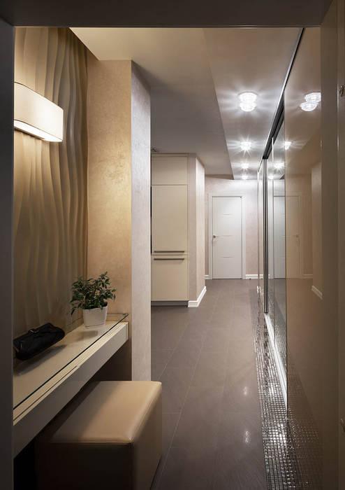 Couloir, entrée, escaliers classiques par U-Style design studio Classique