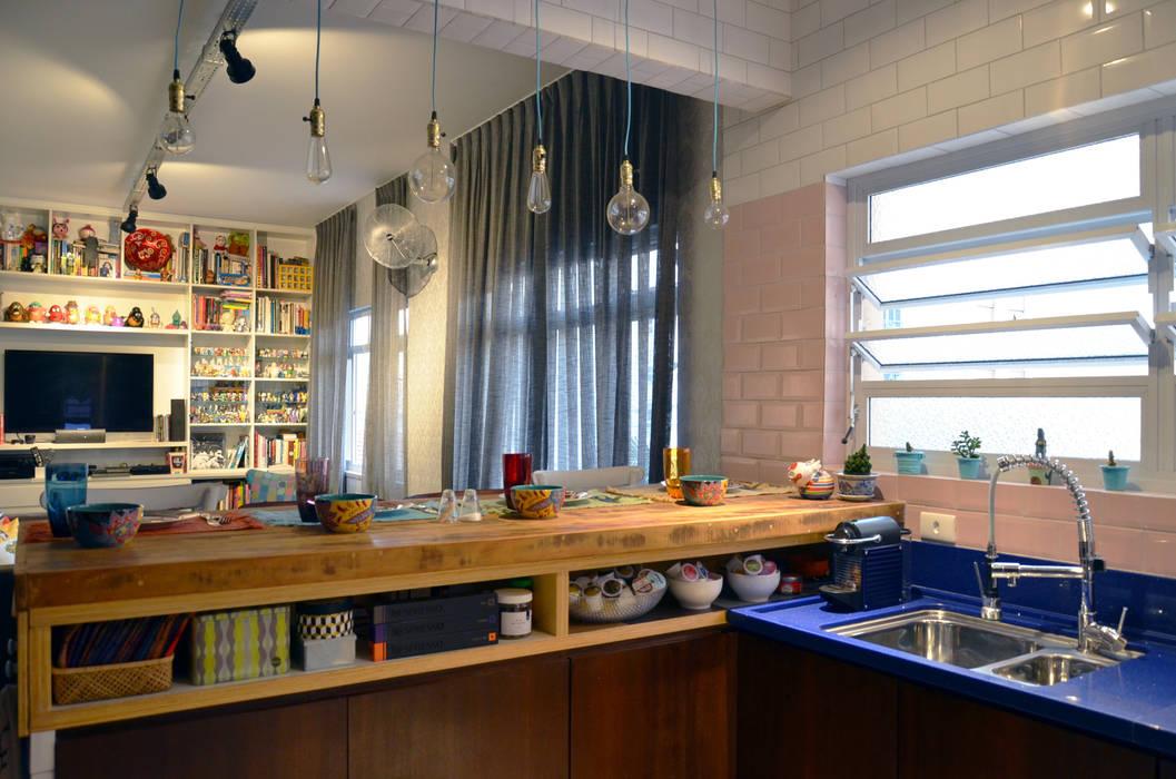 Kitchen by Mmaverick Arquitetura