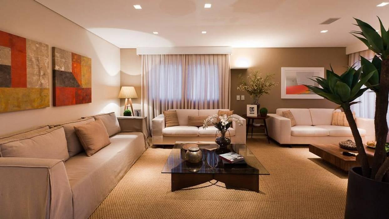 Modern living room by Carolina Nathair Studio de Arquitetura Modern