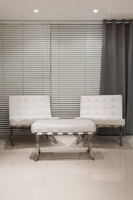 Oficinas de estilo moderno de marli lima designer de interiores Moderno