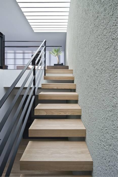 Ingresso, Corridoio & Scale in stile moderno di エスプレックス ESPREX Moderno