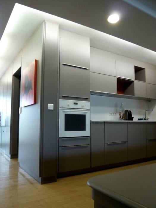 VALERIE BARTHE AiC Modern kitchen