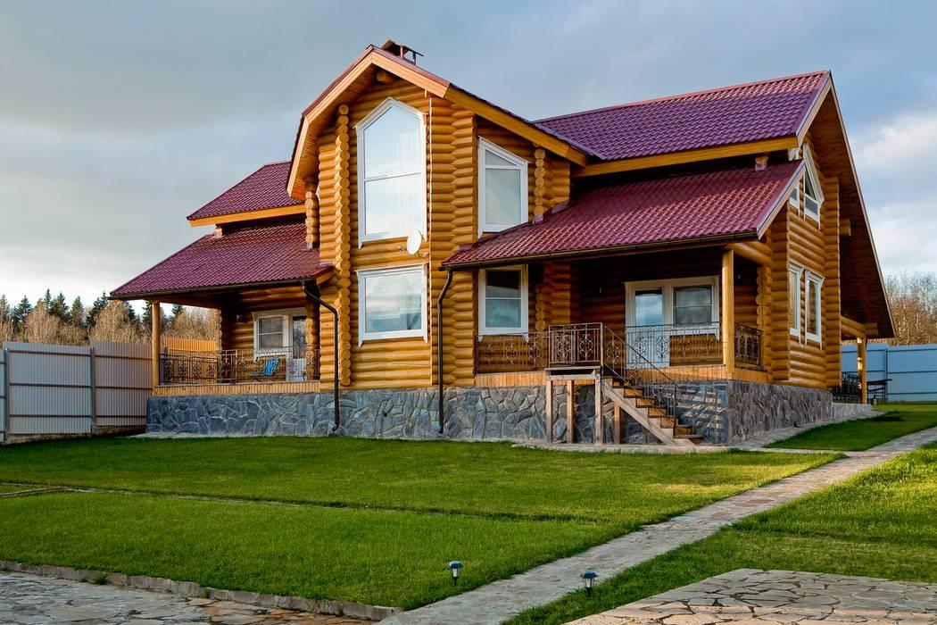 Дом из сруба, Ново-Рижское шоссе Дома в рустикальном стиле от Amazing Studio Светланы Панариной Рустикальный