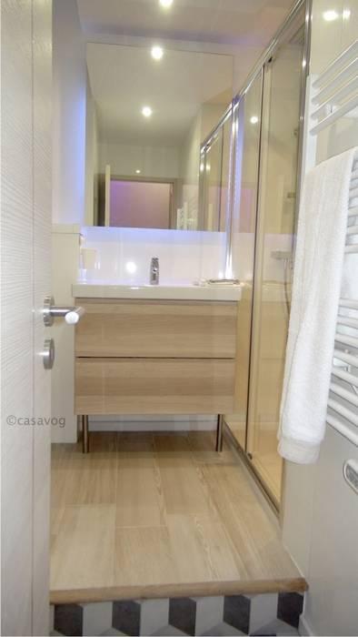 salle de bains: Salle de bains de style  par Casavog