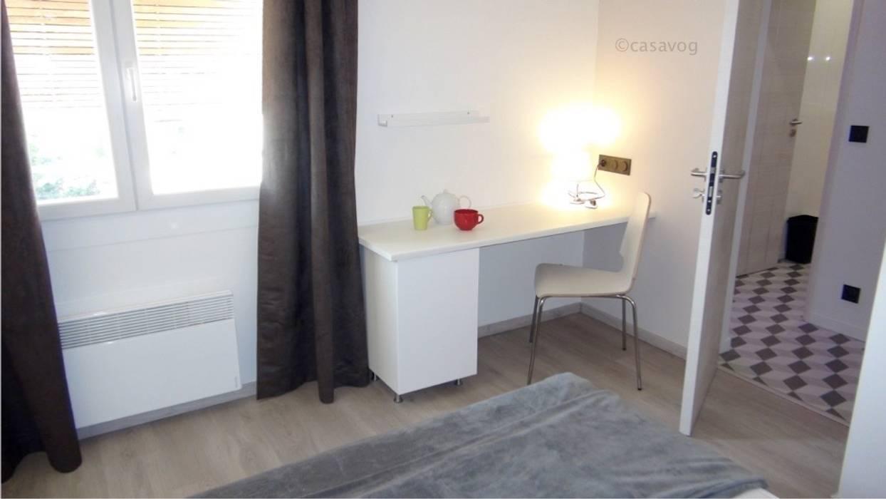 chambre: Chambre de style  par Casavog