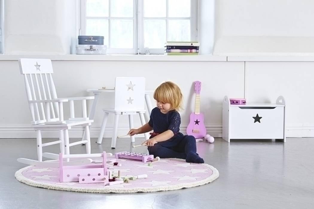 Chłodna biel w pokoju dziecięcym: styl , w kategorii Pokój dziecięcy zaprojektowany przez Sklep Internetowy Kiddyfave.pl