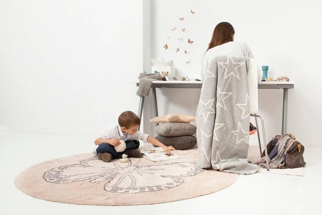 Jasny pokój dziecięcy z pastelowymi dodatkami Skandynawski pokój dziecięcy od Sklep Internetowy Kiddyfave.pl Skandynawski