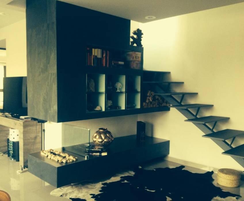 Chimenea Pasillos, vestíbulos y escaleras mediterráneos de Armatoste studio Mediterráneo