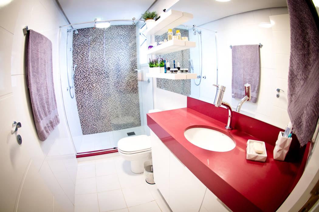 Banheiro suíte: Banheiros  por INOVA Arquitetura,