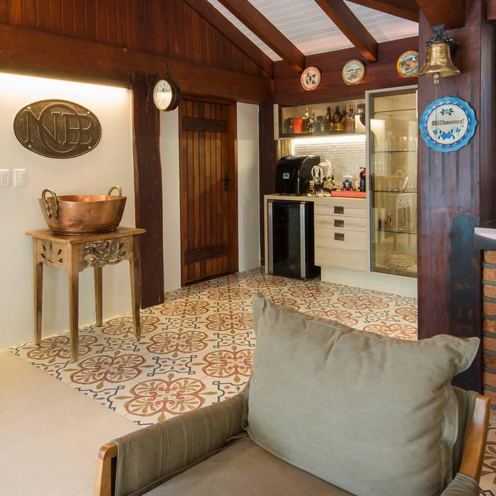 Varanda Gourmet | Campo Grande MS Varandas, alpendres e terraços ecléticos por Camila Tannous Arquitetura & Interiores Eclético
