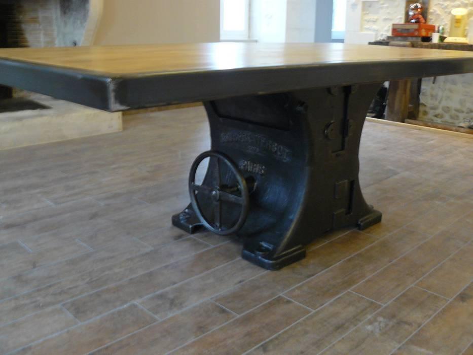 Table Industrielle Pied Central Fonte De Style Par Mai B