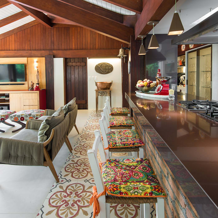 Eclectic style balcony, veranda & terrace by Camila Tannous Arquitetura & Interiores Eclectic