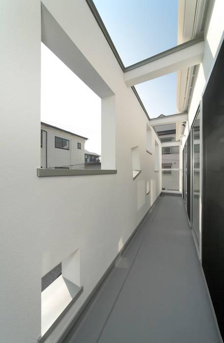 バルコニー: 田崎設計室が手掛けたテラス・ベランダです。