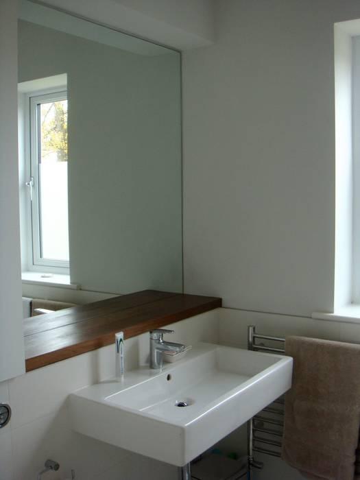Westbury-on-Trym, house extension 現代浴室設計點子、靈感&圖片 根據 Fit Architects 現代風