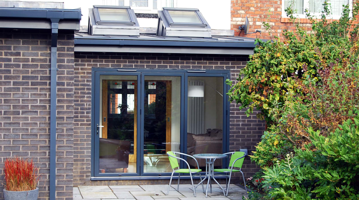 Extension to rear, Sun Room, Kitchen and Living Room Modern conservatory by Grant Erskine Architects Modern