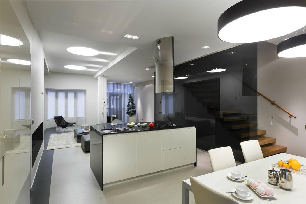 Кухня-столовая: Кухни в . Автор – (DZ)M Интеллектуальный Дизайн, Минимализм
