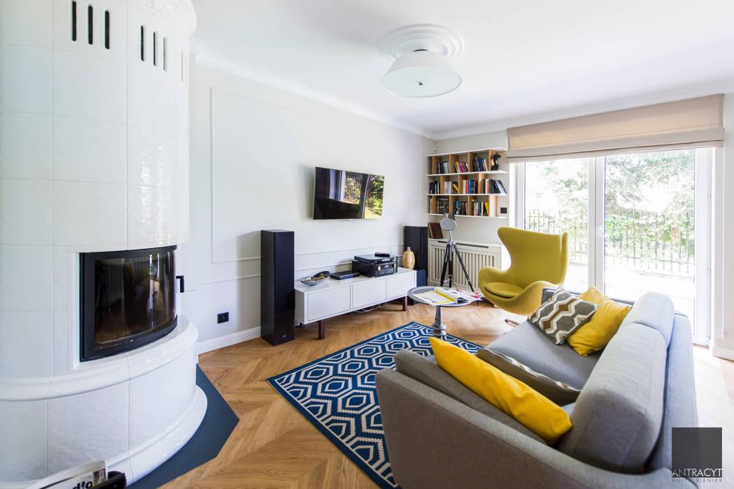 Ruang Keluarga oleh Antracyt, Eklektik