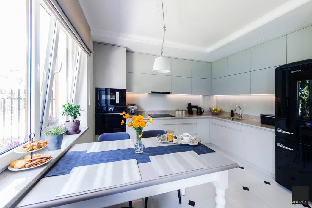 Dapur Gaya Eklektik Oleh Antracyt Eklektik