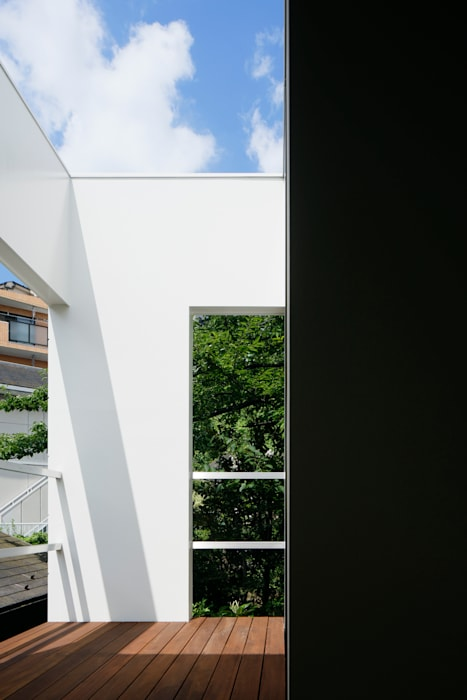 Garden by 松岡淳建築設計事務所, Modern